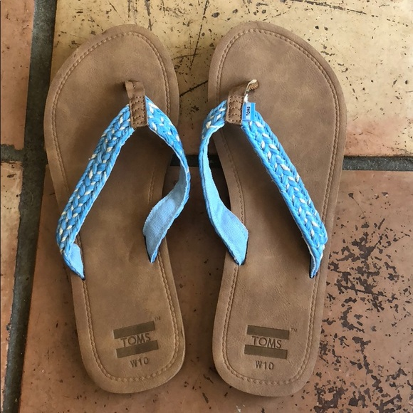 150b4ae45 TOMS Women s Flip Flops. M 5b4bd42b12cd4abf6483edad